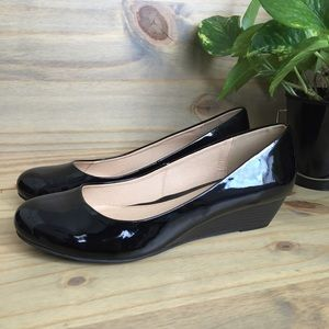 CL by Laundry | Marcie black patent wedges sz 11